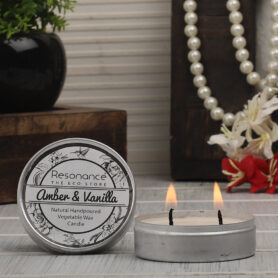Resonance Candles Amber & Vanilla Fragrance Aromatic Travel Tin Candles